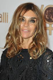 medium length piecy hair carine roitfeld medium wavy cut carine roitfeld hair looks