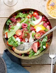 cuisiner pour 10 personnes salade de tomates et fruits pour 10 personnes recettes à table