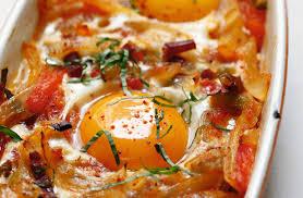 cuisiner oeuf recette d œufs au plat à la basquaise par alain ducasse