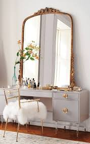 Organizing Makeup Vanity Best 25 Vanity Table Organization Ideas On Pinterest Vanity