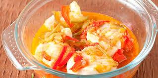 comment cuisiner la lotte au four lotte à la tomate facile recette sur cuisine actuelle