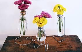 Flower Light Bulbs - 14 brilliant ways to reuse old light bulbs thegoodstuff