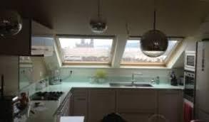 cuisine sous pente cuisine sous comble cuisiner sous les toits