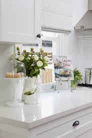 kitchen flower in vase luminate countertops horizontal curtain