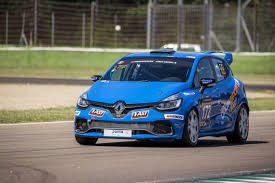 renault rally racecarsdirect com renault clio 200t endurance spec class winning