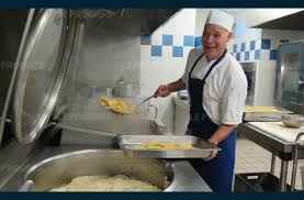 cuisine scolaire education dans les coulisses du restaurant scolaire
