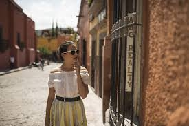 fashion tips that will get people noticing you tips for women travelers to mexico