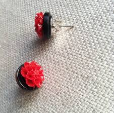 diy button earrings 15 gorgeous pairs of earrings you can make yourself