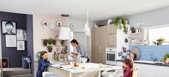 la cuisine familiale cuisine familiale comment bien l aménager sur orange tendances deco