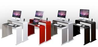 Things To Keep On Office Desk Desk Envy The Ultimate Simple Office One Less Desk Simple