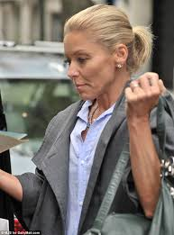 kelly ripa hair style kelly ripa heads to the gym with husband mark consuelos after