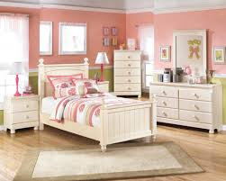 Cream Bedroom Furniture Sets by Bedroom Ideas Ivory Polished Wooden Furniture Set For Teen