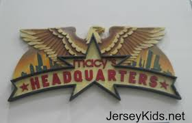thanksgiving 2014 logo behind the scenes guide to macy u0027s thanksgiving day parade giant