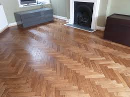 golden oak laminate flooring b and q