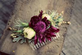 wedding flowers hair five ways to wear flowers in your hair