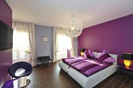 chambre violet et chambre a coucher violet et gris à référence sur la décoration de