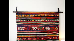 how to hang a rug hang a tapestry diy wall hanging diy with