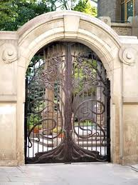 i the tree motif of this gate gate design from historical