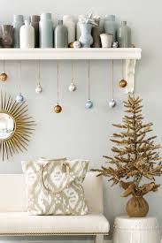 hang ornaments with ribbon how to decorate