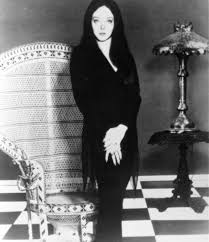 Halloween Costumes Addams Family Carolyn Jones And John Astin As Morticia U0026 Gomez Addams On The Set