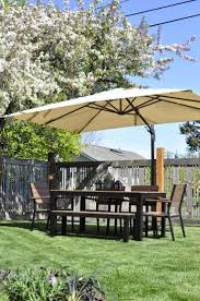 Grass Patio Umbrellas Exterior Green Grass With White 5 Ft Patio Umbrella And Wood