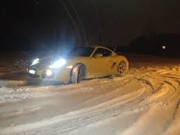 porsche 911 snow does anyone here drive their porsche through the winter and snow
