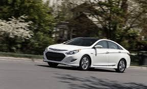 2013 ford fusion vs hyundai sonata 2013 hyundai sonata hybrid test review car and driver