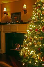 nh home staging decorating the christmas tree then