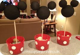 mickey mouse center pieces how to make easy minnie mouse centerpieces
