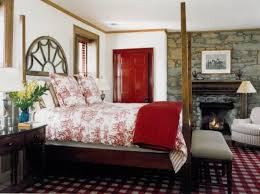 red bedroom designs to decorate a bedroom with red walls