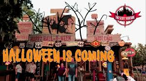 halloween decorations starting to creep into dca micechat