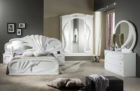 White Italian Bedroom Furniture White Bedroom Furniture Makes A Clear Statement Mobilya