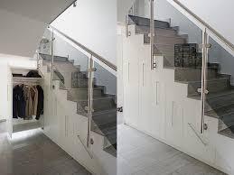 schrank unter treppe 2 schrank unter treppe apothekerauszuege bau und
