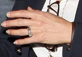 aniston wedding ring aniston flashes ring ny daily news