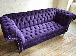 canapé chesterfield violet canapé chesterfield en velours 2 places 3 places