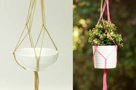 Simple Macrame Plant Hanger - 18 diy macram礬 plant hanger patterns guide patterns