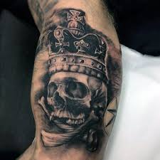 30 most powerful crown tattoos for tattoos era