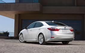 lexus is 300h body kit 2013 lexus es 350 and es 300h first look motor trend