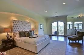 khloe kardashian house interior kitchen backsplash hamptons home