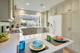 Round Table El Dorado Hills Silestone Lyra For A Traditional Kitchen With A Sandy Hook Grey
