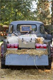 20 Ingenious Tips For Throwing An Outdoor Wedding by Best 25 Barn Parties Ideas On Pinterest Rustic Anniversary