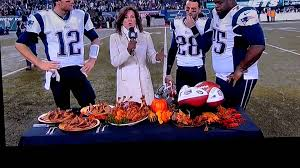 thanksgiving football turkey is it just me or does that turkey have six legs youtube