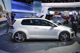 golf volkswagen 2004 vw golf facelift could debut at geneva before r420 variant