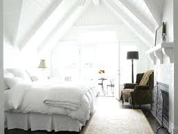 chambre avec lambris blanc chambre avec lambris bois total look blanc dans la chambre avec du