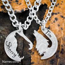necklaces names howling wolf couples necklaces with custom engraved names namecoins
