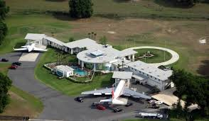mayweather house and cars 30 most jaw dropping and expensive celebrity homes you u0027ve ever seen