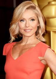 hair color kelly ripa uses kelly ripa debuts new pink hair after revealing she always gets