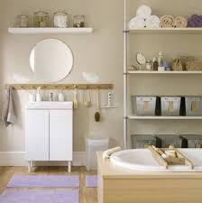 Bathroom Decorating Ideas For Apartments by Decorating Ideas For Small Bathrooms In Apartments Small Apartment