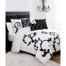 Black And White Queen Bed Set Best 25 Black Comforter Queen Ideas On Pinterest Black And