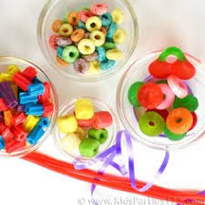 edible candy jewelry diy kids candy necklace edible craft fruit loops apple jacks